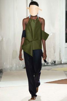 Jacquemus Fall 2015 Ready-to-Wear Fashion Show Fashion Week, Runway Fashion, Fashion Show, Fashion Outfits, Fashion Design, Fashion Trends, Urban Outfits, Donna Karan, Vogue Paris