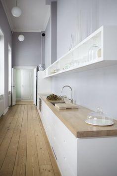 De meest geplaatste opstelling van een keuken is een rechte keuken. Deze opstelling is een keuken waarvan alles aan 1..