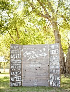LOVE this backdrop for a ceremony! Great for our chalkboard loving Bridechillas.
