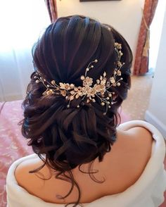 Pretty New Year's Eve Hair Ideas - Wedding Hairstyles - Hochzeit Haare Quince Hairstyles, Prom Hairstyles For Short Hair, Indian Wedding Hairstyles, Bride Hairstyles, Hairstyle Ideas, New Year Hairstyle, Easy Hairstyles, Bridal Hair Updo, Wedding Hair And Makeup