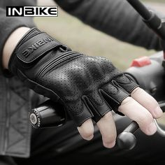 Men/'s Short Wristed Leather Police Style Driving Glove w// Snap Wrist
