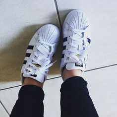 Black and white Adidas Superstars are a classic for a reason c/o @kakabroon