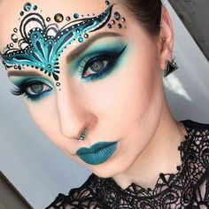 Halloween makeup idea and costume for women – Halloween Make Up Ideas Fairy Makeup, Makeup Art, Beauty Makeup, Exotic Makeup, Sfx Makeup, Mermaid Makeup, Makeup Ideas, Masquerade Makeup, Green Makeup