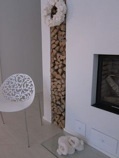 firewood storage for studio fireplace Firewood Storage, Home Board, Log Burner, Home Living Room, Interior Inspiration, Sweet Home, New Homes, Cottage, Fireplaces
