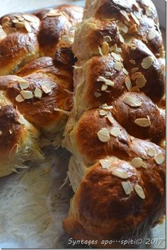 Greek Pita, Easter Projects, Easter Recipes, Greek Recipes, Pretzel Bites, Food To Make, French Toast, Recipies, Muffin