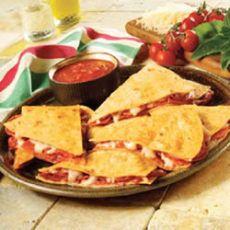 Pizzadilla -- Weight Watchers Recipe 4 pts each!!! Yummm