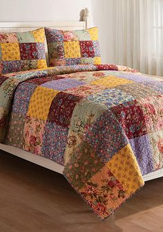 This is a Relationship Corner bedspread that a man can live with. It's not TOO feminine.