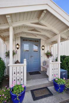 Veslemo – første vinner av eksteriørprisen – Bergene Holm Blogg Scandinavian Design, Pergola, Garage Doors, Outdoor Structures, Outdoor Decor, Home Decor, Pictures, Interior Design, Home Interior Design