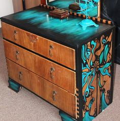 How to paint furniture with bright colors!This is an easy DIY tutorial on painting vintage furniture. Funky Painted Furniture, Refurbished Furniture, Paint Furniture, Repurposed Furniture, Cheap Furniture, Furniture Projects, Rustic Furniture, Furniture Makeover, Furniture Decor