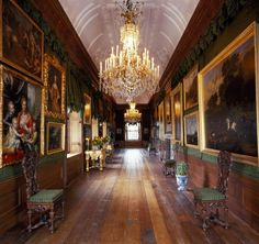 Paleis Het Loo in Apeldoorn, Holland. Beautiful Architecture, Beautiful Buildings, Architecture Design, Chateau Hotel, Gothic Interior, Interior Design, Amsterdam, Winter Palace, Le Palais