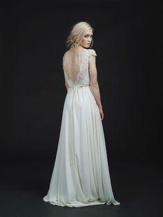 HEY LOVE - Brautkleider im modernen Bohemian-Stil  #bohemian #boho #wedding #hochzeit #braut #bräutigam #wedding #bride #hochzeitsredner #freie #trauung #münchen #bayer #kleid #dress