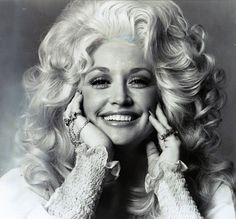 The Dolly Parton Beauty Rules! Straight From the Queen of Country's Own Mouth - Vogue Dolly Parton Tattoos, Dolly Parton Quotes, Smash Book, Music Songs, Music Videos, Dolly Parton Costume, Dolly Parton Pictures, Katharine Ross, Female Stars