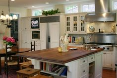 Tips for designing a kitchen specifically for entertaining. http://www.yourkitchendesigner.org/blog/kitchen-design-blog/tips-expert-advice/designing-a-kitchen-for-entertaining