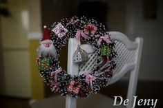 Рождественский венок с гномом и фонариком #рождественский_венок #новогодний_венок #Christmas_wreath