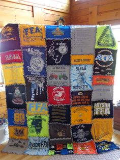 The t-shirt quilt I made from my old FFA t-shirts! Really easy to make! by Norma Brown qIknL Craft Projects, Sewing Projects, Sewing Ideas, Quilt Patterns, Sewing Patterns, Sewing Crafts, Diy Crafts, Ffa, Rag Quilt