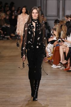 Look 35 from the Chloé Fall-Winter 2015 runway