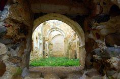 El Monasterio románico de San Salvador se encuentra en la localidad palentina de Nogal de las Huertas que conforma municipio junto ...