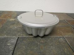 vintage 7 inch  MIRRO ALUMINUM JELLO Mold or cake with locking cover by mauryscollectibles on Etsy