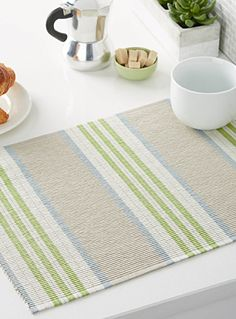 Set a table with style and practicality in mind: Fabric placemats, vinyl placemats, and hardback placemats protect your tabletop, no matter the occasion. Weaving Designs, Weaving Projects, Weaving Patterns, Loom Weaving, Hand Weaving, Diy Crochet Afghan, Modern Table Runners, Fabric Placemats, Striped Table Runner