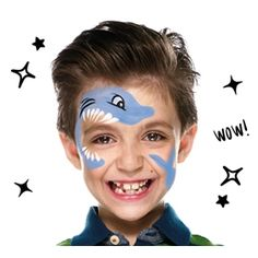 Con un pincel fino y pintura negra dibuja 3 líneas para las branquias y perfila el ojo para dar el acabado a tu tiburón. #terminamos #facil #DIY