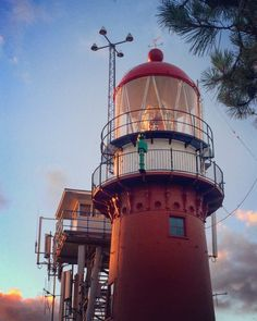 Vlieland // ❤️ • • • #vlieland #vliebiza #lighthouse #vuurtoren #vuurtorenvlieland #vvvvlieland #oostvlieland #lonelyplanet #discoverearth… Tall Ships, Lonely Planet, Lighthouses, Scenery, Destinations, Lighting, The World, Sunrises, Landscape