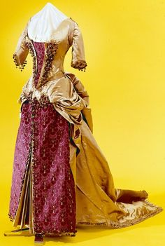 1885 Dress via the Indianapolis Museum of Art