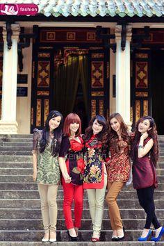 Modern twist to traditional attire! So cute! Shorter length  #vietnamese #dress