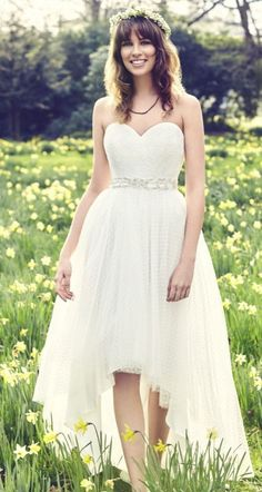 Kelsey Rose high low wedding dress / http://www.himisspuff.com/high-low-wedding-dresses/2/