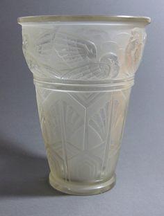 Sabino Art Deco Glass Vase 'Colombes'.