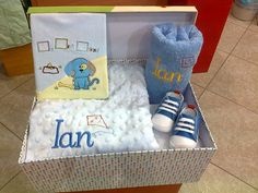 Regalo Baby Shower, Toddler Bed, Kids Rugs, Furniture, Home Decor, Ideas, Baby Shower Gifts, Gift Boxes, Blue Prints