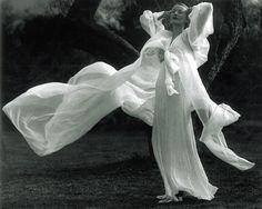 "Martin Munkácsi: ""Peignoir in a soft Breeze"", USA 1936"