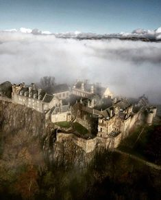 Stirling Castle was first mentioned around 1100 and is considered one of the most historically important sites in Scotland. Beautiful Castles, Beautiful Buildings, Beautiful Places, Scotland Castles, Scottish Castles, Places To Travel, Places To See, Places Around The World, Around The Worlds