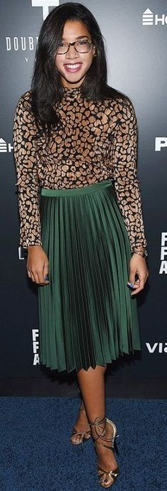 Who What Wear - Hannah Bronfman - Green Pleated Midi Skirt Celebrity Style Inspo