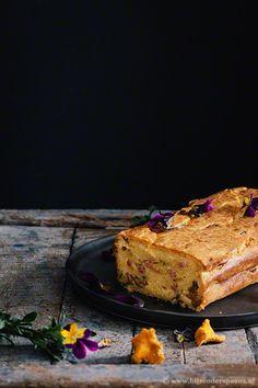 Bizcocho de aceite de oliva con setas y panceta cake met paddenstoelen en spek  Bijzonder Spaans