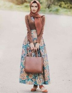 floral puffy maxi skirt- Casual chic hijab 2016 http://www.justtrendygirls.com/casual-chic-hijab-2016/