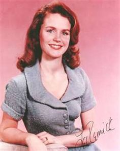 Lee Remick Old Hollywood Stars, Golden Age Of Hollywood, Classic Hollywood, People With Red Hair, Anouk Aimee, Lee Remick, Elizabeth Montgomery, Lee Ann, Actor Studio