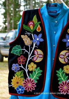 old trade cloth style Native American Clothing, Native American Regalia, Native American Design, Native Design, Native American Beadwork, Native American Fashion, Native Fashion, Bead Embroidery Patterns, Beaded Embroidery