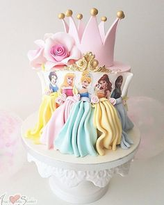 Prinzessin Kuchen – Princess cake – Related posts: Disney Themed Cakes – Disney Princess cake and cupcakes Homemade Birthday Cakes, Baby Birthday Cakes, Belle Birthday Cake, Rapunzel Birthday Cake, 5th Birthday, Birthday Ideas, Torta Princess, Princess Belle Cake, Princess Cupcake Dress