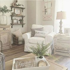 There is so much neutral and farmhouse in this one picture!! I absolutely love it!