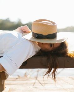 Another rainy weekend, currently fantasizing about a sunny getaway somewhere. Summer Hats, Summer Time, Beach Poses, A Perfect Day, Girl With Hat, Photography Poses, Summer Photography, Panama Hat, Fashion Accessories
