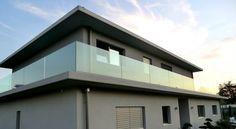 Garde-corps de terrasse en verre.