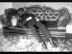 Andrew Borden Murder Scene Crime scene photo of Andrew Borden's corpse in the sitting room. Most Haunted, Haunted Places, Haunted Houses, Paranormal, Pop Americano, Famous Murders, Ghost Videos, Ghost Photos, Post Mortem Photography
