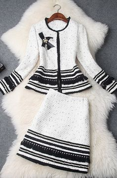Fashion Wear, Fashion Dresses, Womens Fashion, White Fashion, Colorful Fashion, Classic Outfits, Cute Outfits, Mode Chanel, Looks Chic