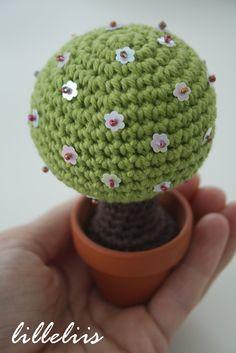 Magic Tree, crochet home decor.