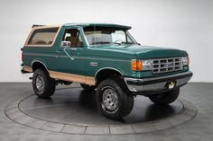 136458 1988 Ford Bronco RK Motors Classic Cars for Sale Bronco Car, Ford Bronco For Sale, Ford Classic Cars, Gasoline Engine, Truck Design, Old Trucks, Car Car, Cars For Sale, Infancy