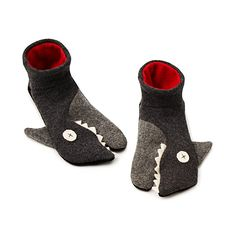 Handmade shark slippers are just what college students need for shuffling around their dorm. #easydorm #dormitems #collegedorm