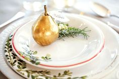 How to Set a Beautiful Holiday Table