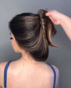 Are you going to balayage hair for the first time and know nothing about this technique? We've gathered everything you need to know about balayage, check! Indian Hair Color, Long Indian Hair, Brown Hair Balayage, Hair Highlights, Caramel Balayage, Blonde Hair, Short Wavy Hair, Thick Hair, Short Hair Colour
