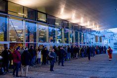 Ansturm auf die Eurovision Song Contest Tickets! Hat wer geschafft ein Final-Ticket online zu kaufen? --- http://www.eurovision-austria.com/ansturm-auf-die-eurovision-song-contest-tickets/