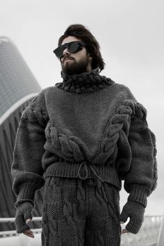 thick-knit: I am in love with this outfit, the sweater, the gloves and the pants are just awesome. Does anyone know the designer?
